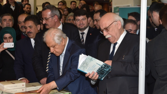 Minister Avcı attends the opening of 1st Üsküdar Book Fair